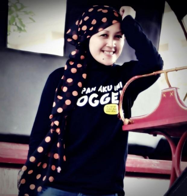 Nchie Hanie | Dewa SEO | Emak2 Blogger | Blogger Bandung