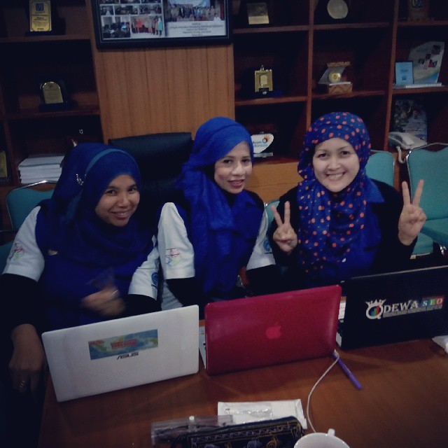 Relawan TIK Bandung | Emak2 Blogger | Blogger BDG | Safer Internet Day