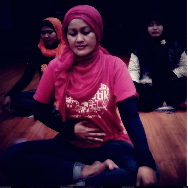 Sejenak hening | sadar penuh hadir utuh | adjie silarus | mindfulness