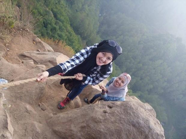 Tebing Keraton | Jalan-Jalan Ekstrim | Jalan-Jalan Murah |Emak2 Blogger | Tempat wisata di Bandung