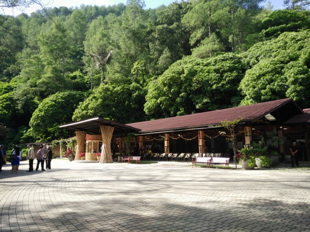 Food court Maribaya Natural Hot Spring Resort Lembang