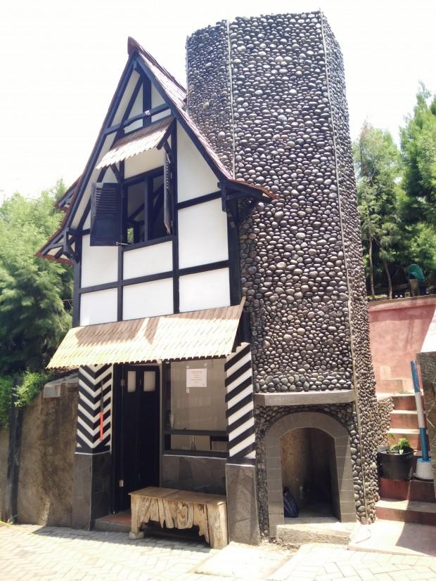 Rumah hobbit | Farmhouse | susu lembang | wisata alam lembang | nchiehanie