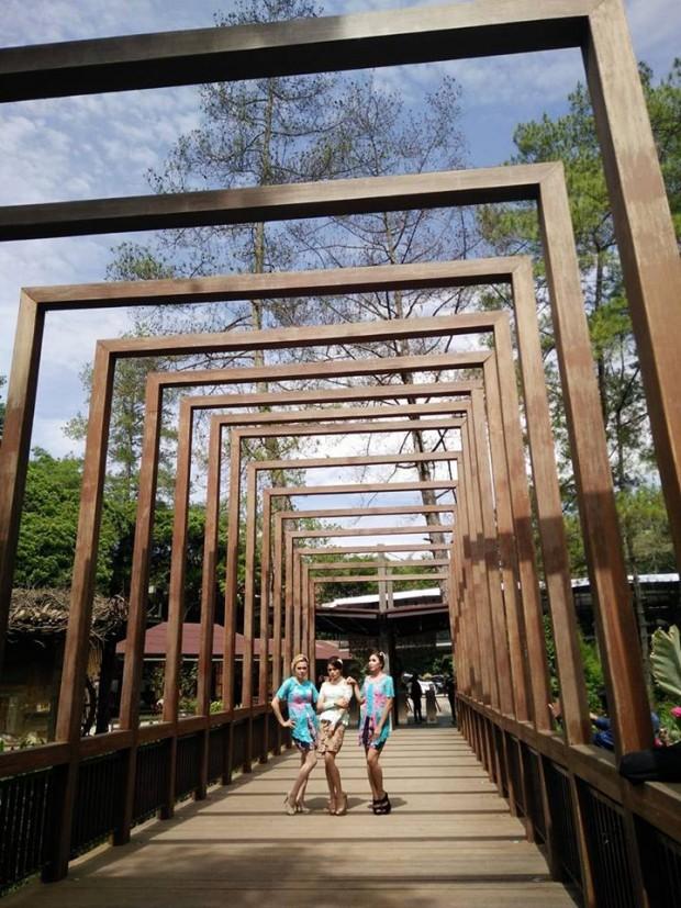 jembatan eyang raksa dana | maribaya natural hot spring resort lembang
