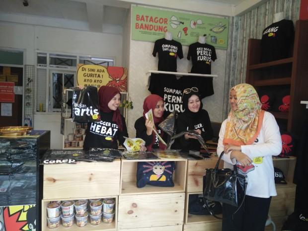 nchie hanie | kaos gurita | toko gurita karapitan | giveaway kaos gurita