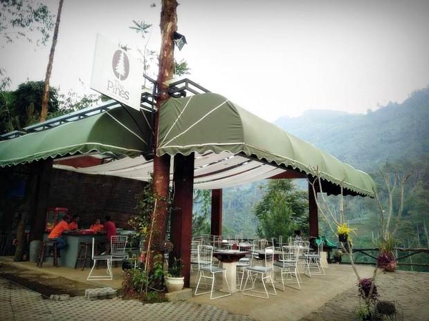 The Lodge Maribaya | Tempat camping di Maribaya| Tempat wisata di lembang | nchiehanie | The Pines