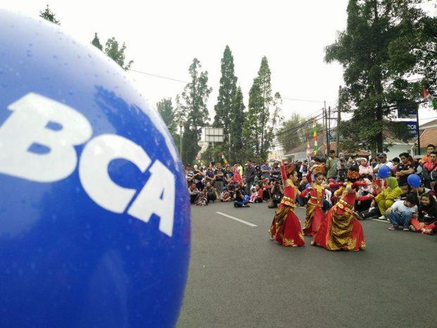 Buka Rekening Bertabur Hadiah | Penyerahan hadiah BCA | Blogger Perempuan | BBlog | BCA | CFD Dago BCA | Inovasi BCA | Blogger Bandung