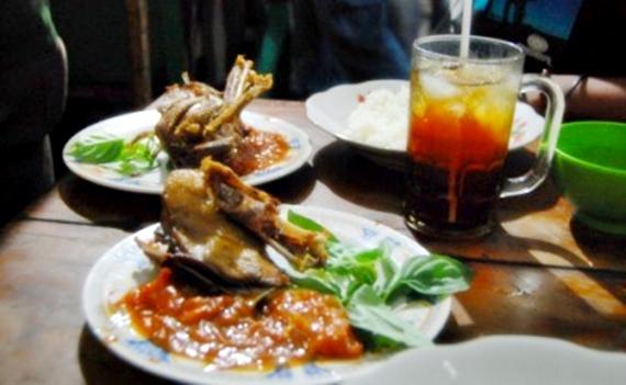 kaki lima di bandung | wisata kuliner | kuliner | ayo bandung | nchiehanie | bebek ali borromeus