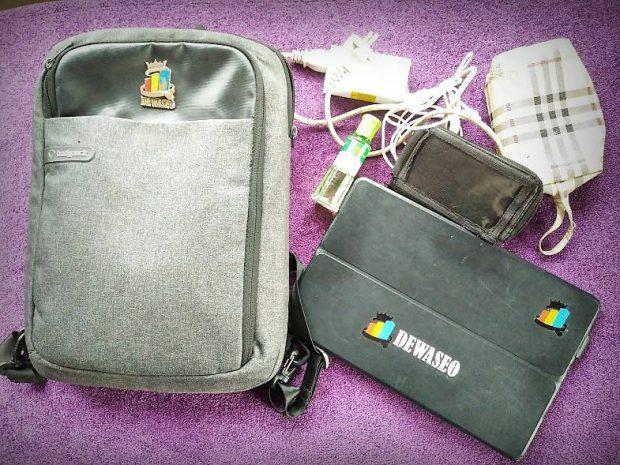 isi tas wanita simple | nchie hanie | blogger bandung