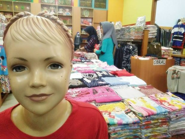Fun Family Blogger | Hotel Dafam Rio Bandung | Riau Stok Mall| Hotel di Jalan Riau| DHM Asosiates | Blogger BDG | Nchie Hanie