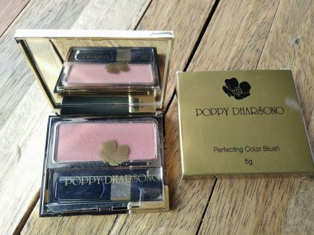Poppy Dharsono Kosmetik | PERFECTING COLOR BLUSH | Nchie Hanie |Blogger Lifestyle Bandung