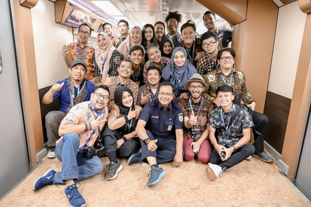 KAI | Nchie Hanie|BLogger Bandung |Edi Sukmoro|CEO KAI Sosial Media Mover| Reaktivasi Jalur Kereta Cibatu Garut | Ayo Naik Kereta |Goes To Garut|Kereta Api Kita