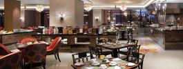 Menikmati Makan Malam di Culinary Journey at The Restaurant